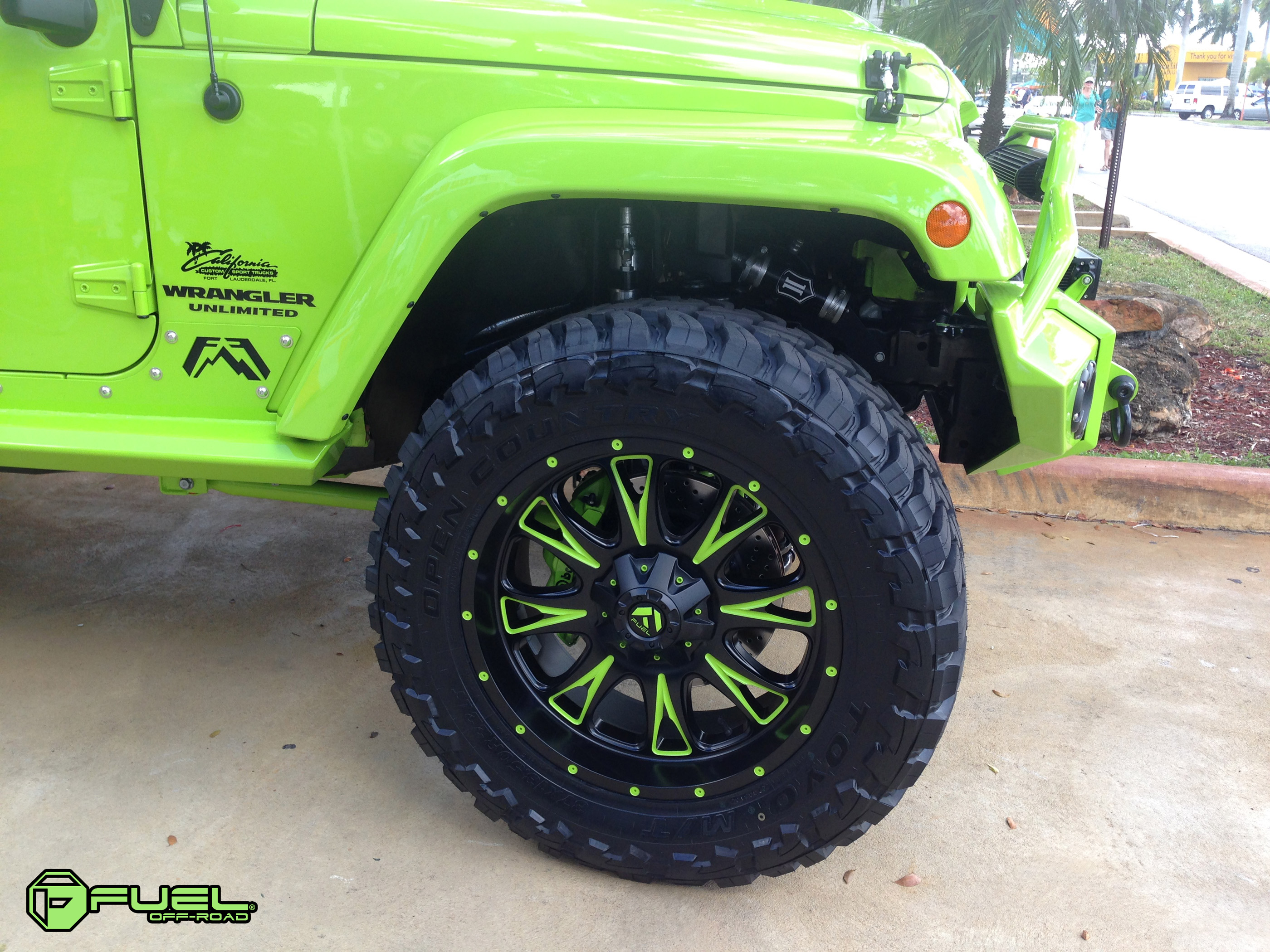 Fuel Deep Lip Wheels Throttle D513 Down South Custom Jeep Wrangler With